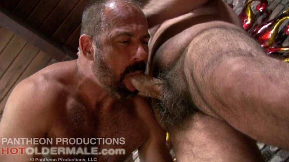 Hot older male free videos